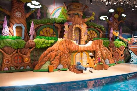 Peter Pan animal show