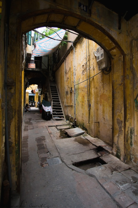 side alley, Old Quarter